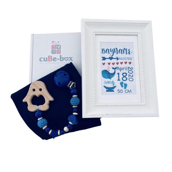 babybox jungen geburtsposter wal blau scaled