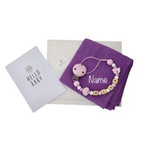 geschenkset nuscheli mit namen bestickt nuggikette maedchen lavendel
