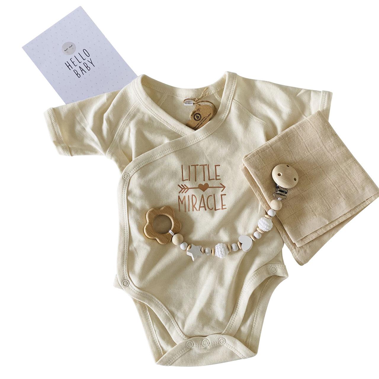 cuBe-box-Babygeschenke babybody beige