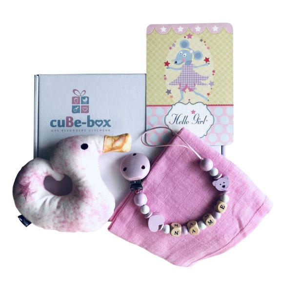 babybox-geschenk-entenrassel-rosa
